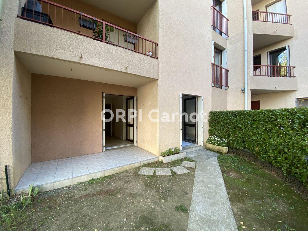 Appartement à louer 3 65m2 à Castres vignette-8