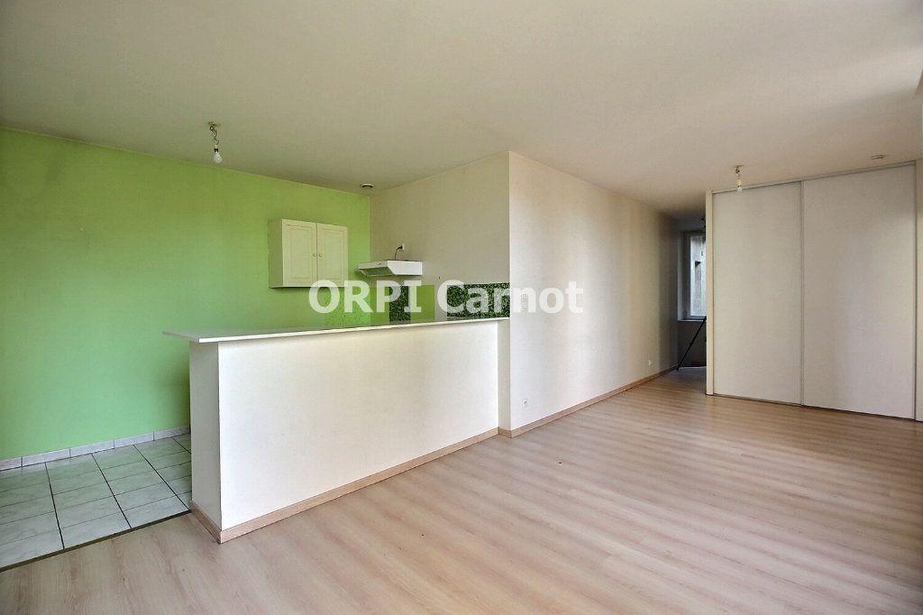 Appartement à louer 2 48.19m2 à Castres vignette-1