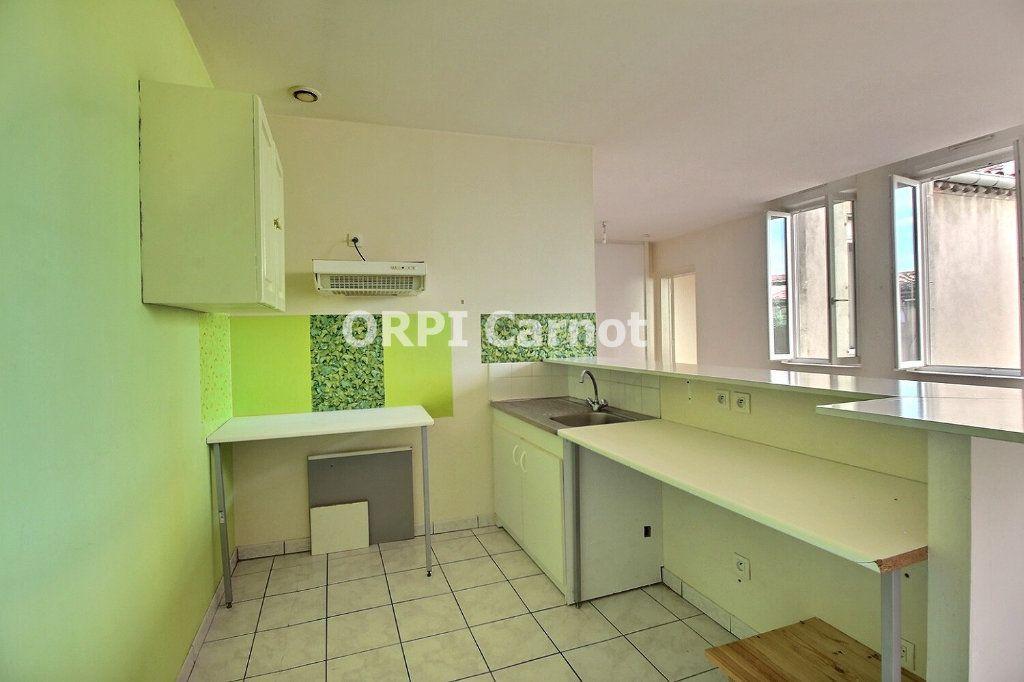 Appartement à louer 2 48.19m2 à Castres vignette-3