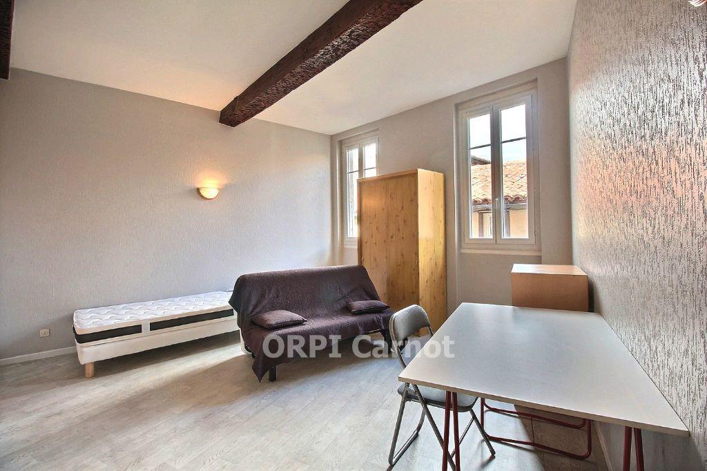 Appartement à louer 1 29m2 à Castres vignette-1
