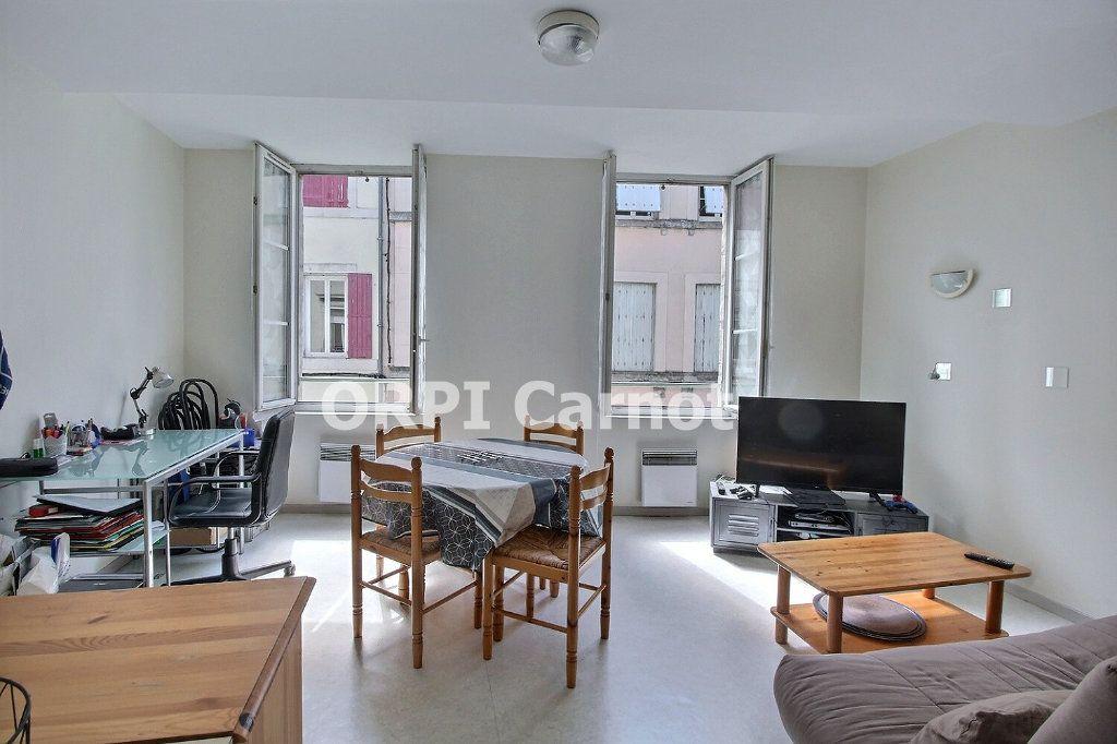 Appartement à louer 2 33m2 à Castres vignette-1