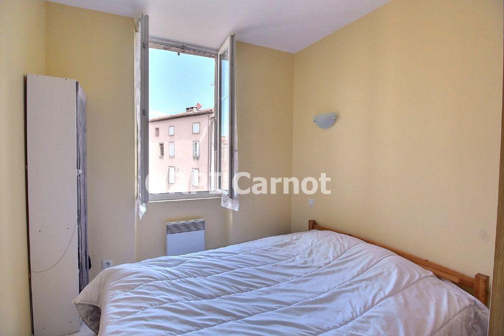 Appartement à louer 2 33m2 à Castres vignette-4