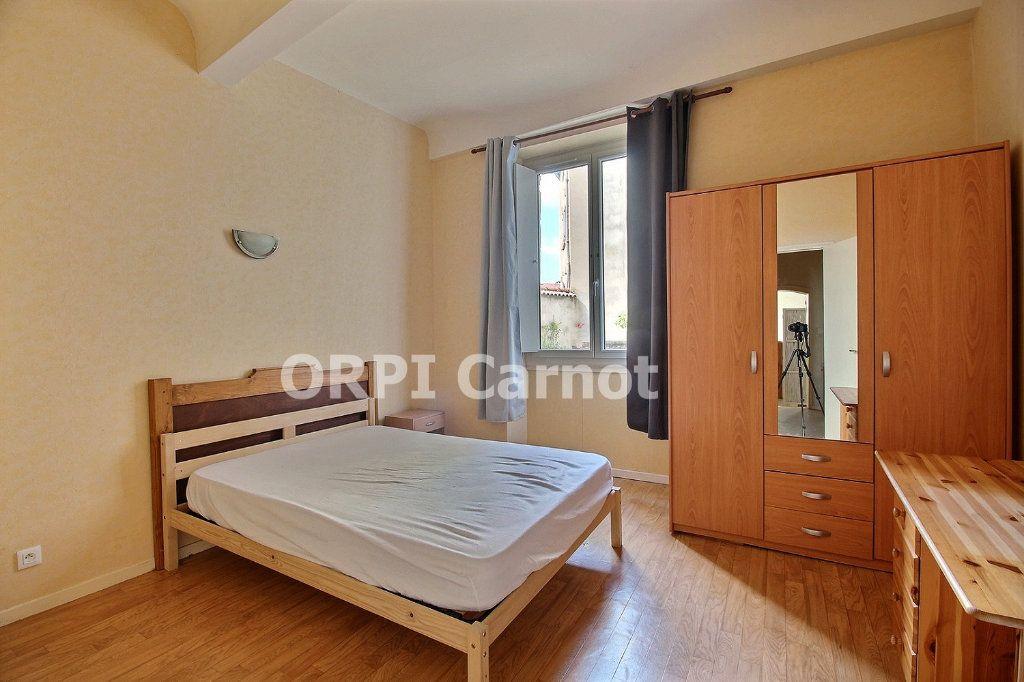 Appartement à louer 2 52.19m2 à Castres vignette-2