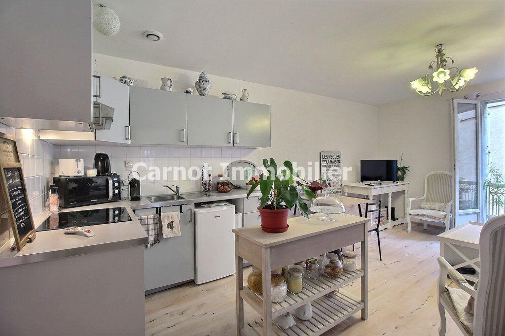 Appartement à louer 3 60m2 à Castres vignette-2
