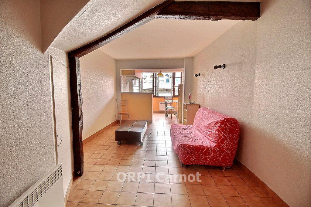 Appartement à louer 1 26m2 à Castres vignette-1