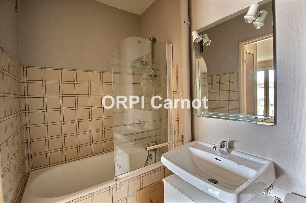 Appartement à louer 2 35m2 à Castres vignette-4