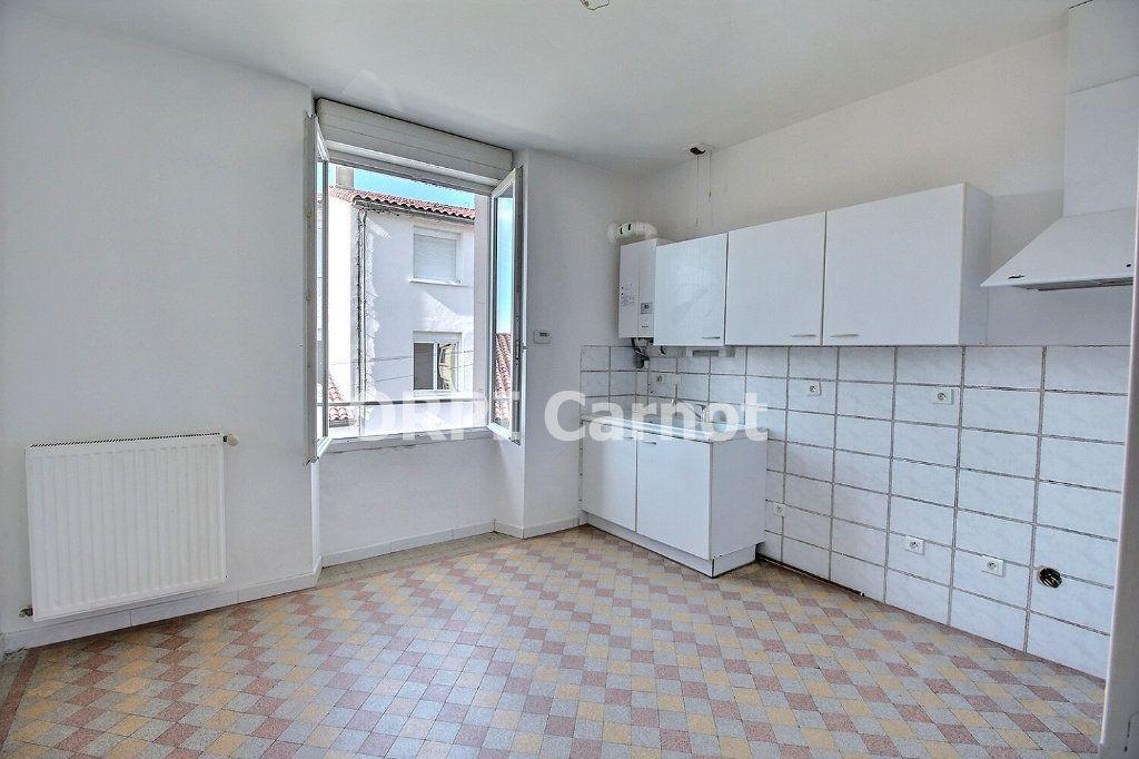 Appartement à louer 3 79m2 à Castres vignette-1