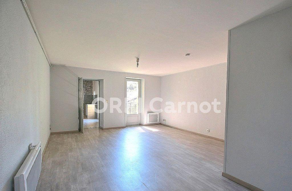 Appartement à louer 3 69.76m2 à Castres vignette-1
