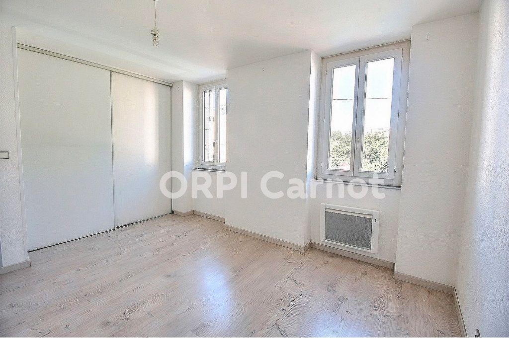 Appartement à louer 3 69.76m2 à Castres vignette-4