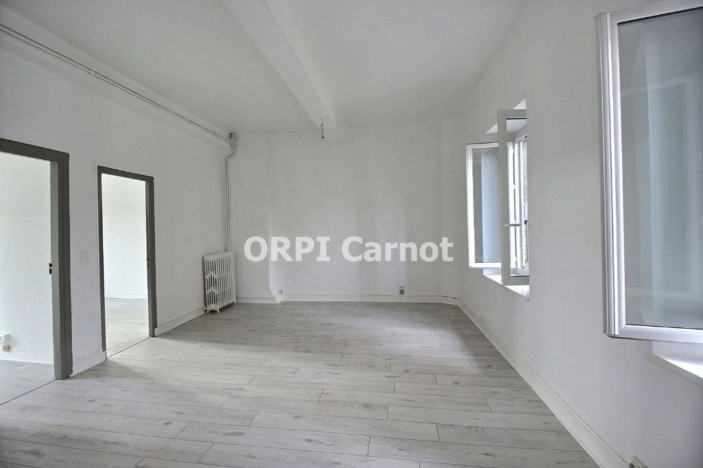 Appartement à louer 4 90.53m2 à Castres vignette-1