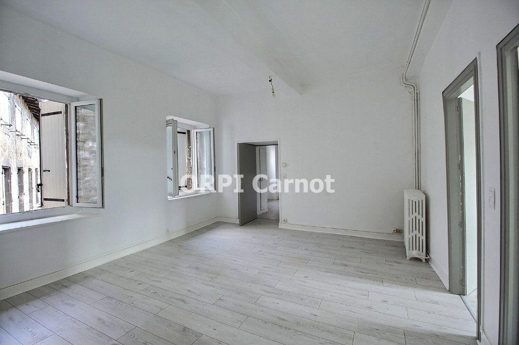 Appartement à louer 4 90.53m2 à Castres vignette-2