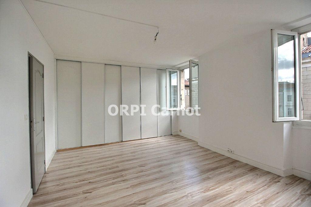 Appartement à louer 4 90.53m2 à Castres vignette-3