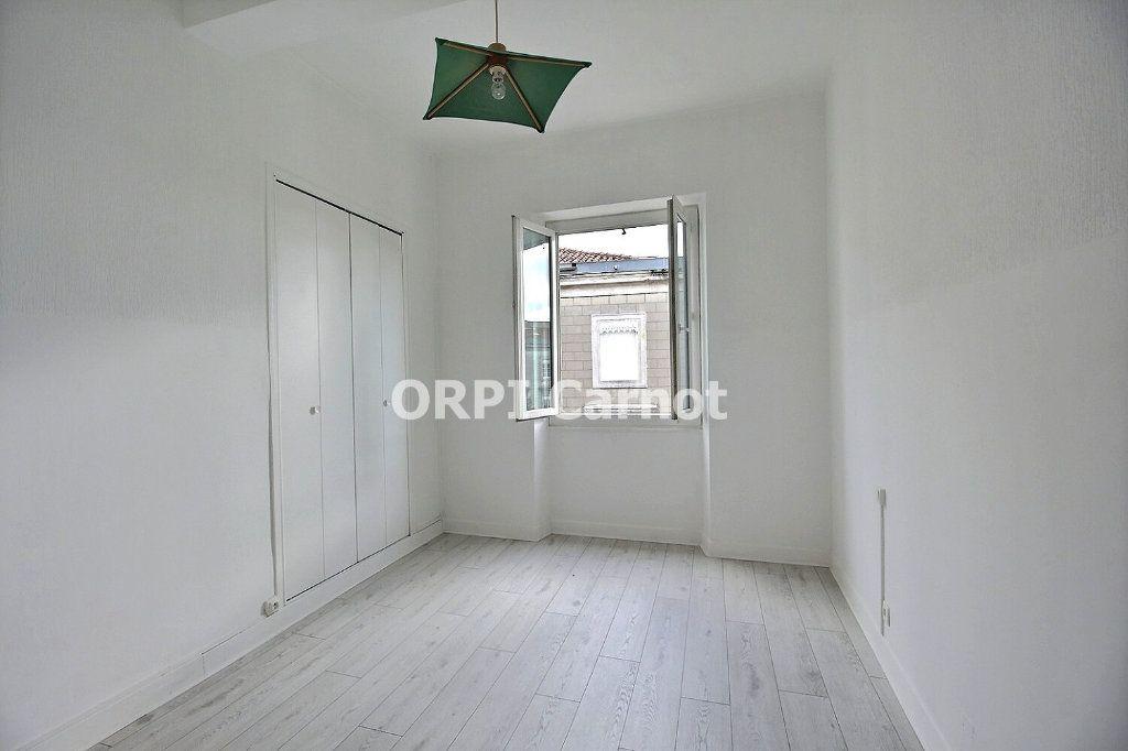 Appartement à louer 4 90.53m2 à Castres vignette-4