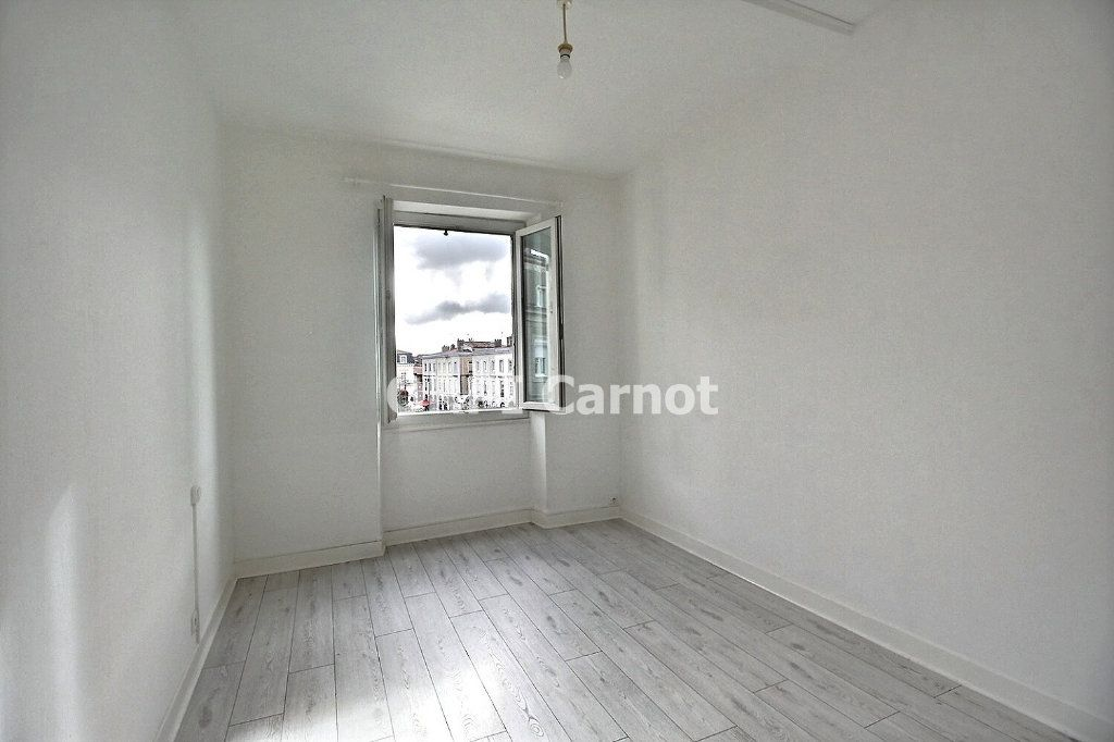 Appartement à louer 4 90.53m2 à Castres vignette-5