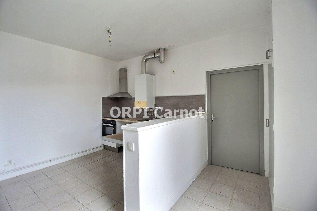 Appartement à louer 4 90.53m2 à Castres vignette-6
