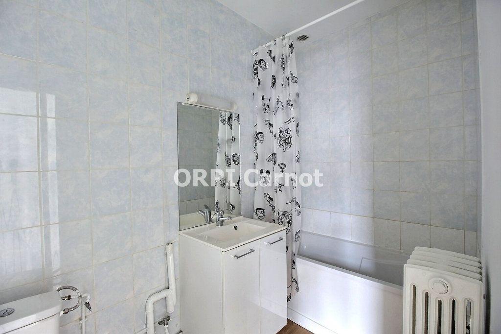 Appartement à louer 4 90.53m2 à Castres vignette-8