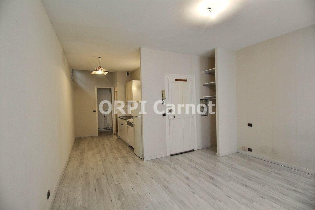 Appartement à louer 1 27.85m2 à Castres vignette-1