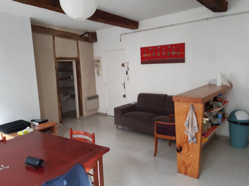 Appartement à louer 3 58m2 à Castres vignette-2