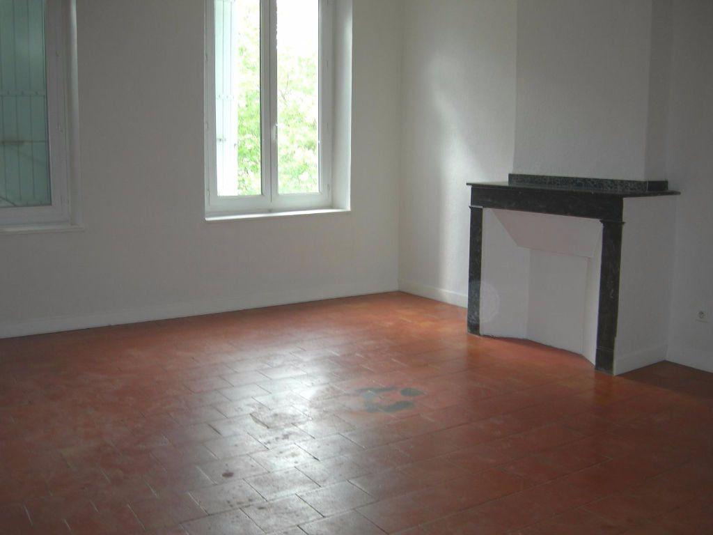 Appartement à louer 5 83m2 à Castres vignette-1