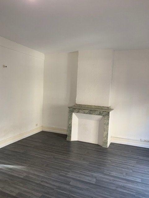 Appartement à louer 2 52m2 à Mazamet vignette-4