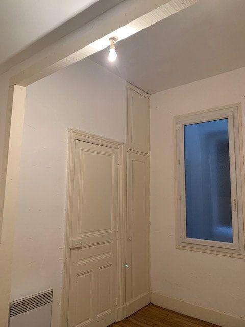 Appartement à louer 2 52m2 à Mazamet vignette-5