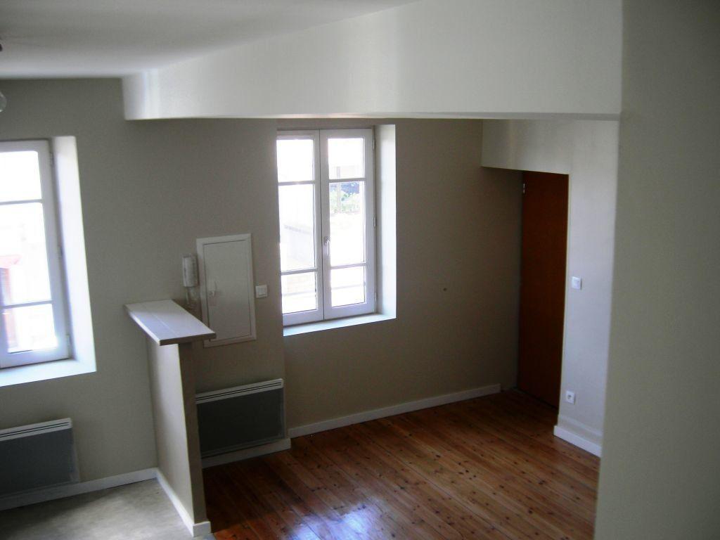 Appartement à louer 3 51m2 à Castres vignette-1