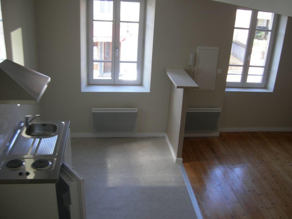 Appartement à louer 3 51m2 à Castres vignette-2