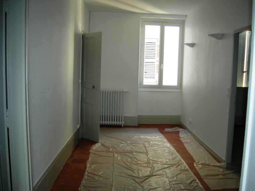 Appartement à louer 6 151m2 à Castres vignette-2