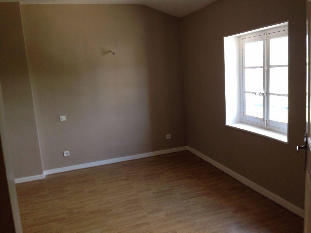 Appartement à louer 4 110m2 à Labruguière vignette-3