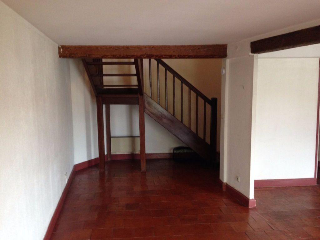 Appartement à louer 3 63m2 à Castres vignette-1