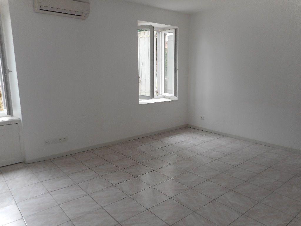 Appartement à louer 2 45m2 à Castres vignette-3