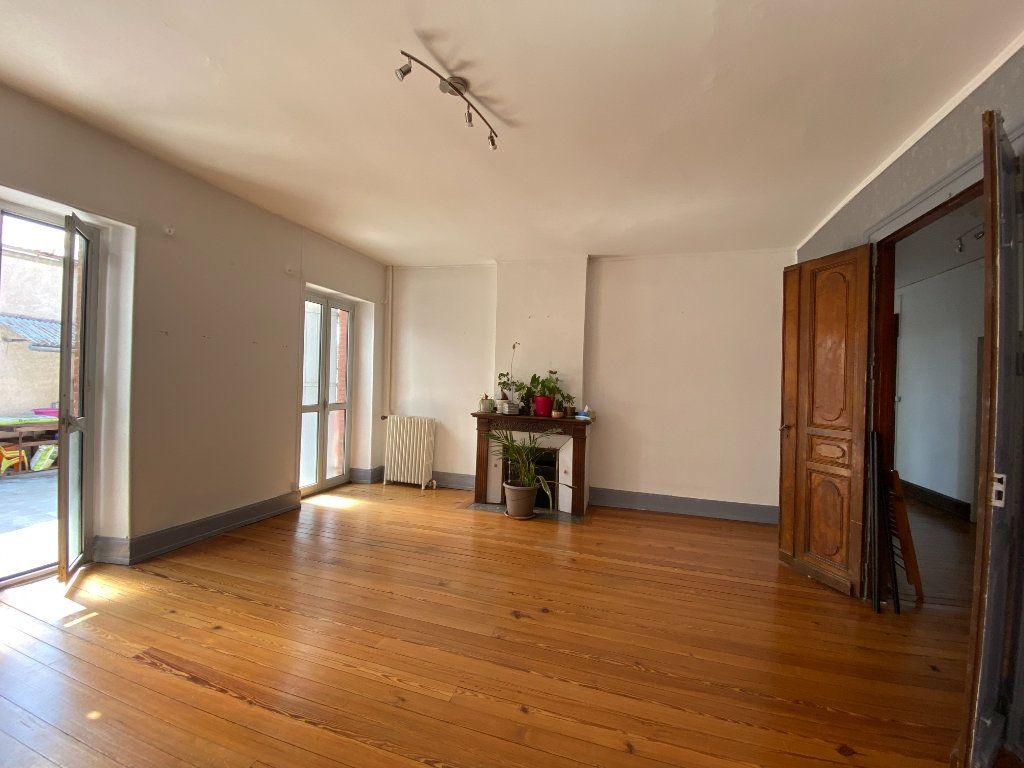 Appartement à louer 4 133m2 à Castres vignette-1