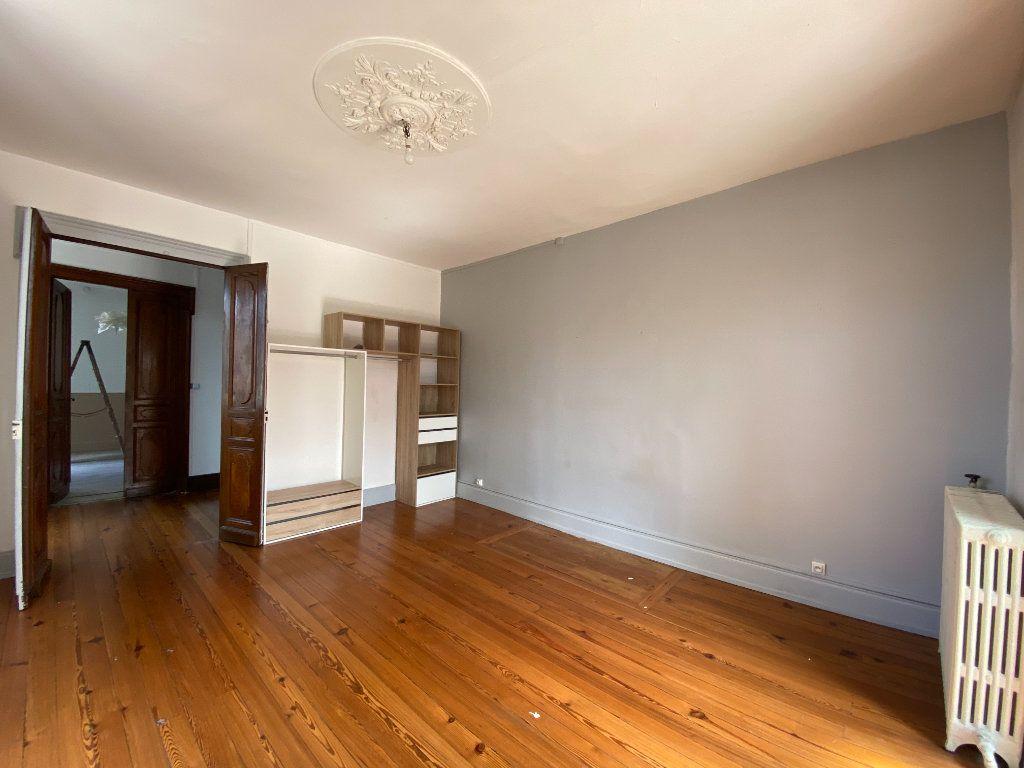 Appartement à louer 4 133m2 à Castres vignette-2