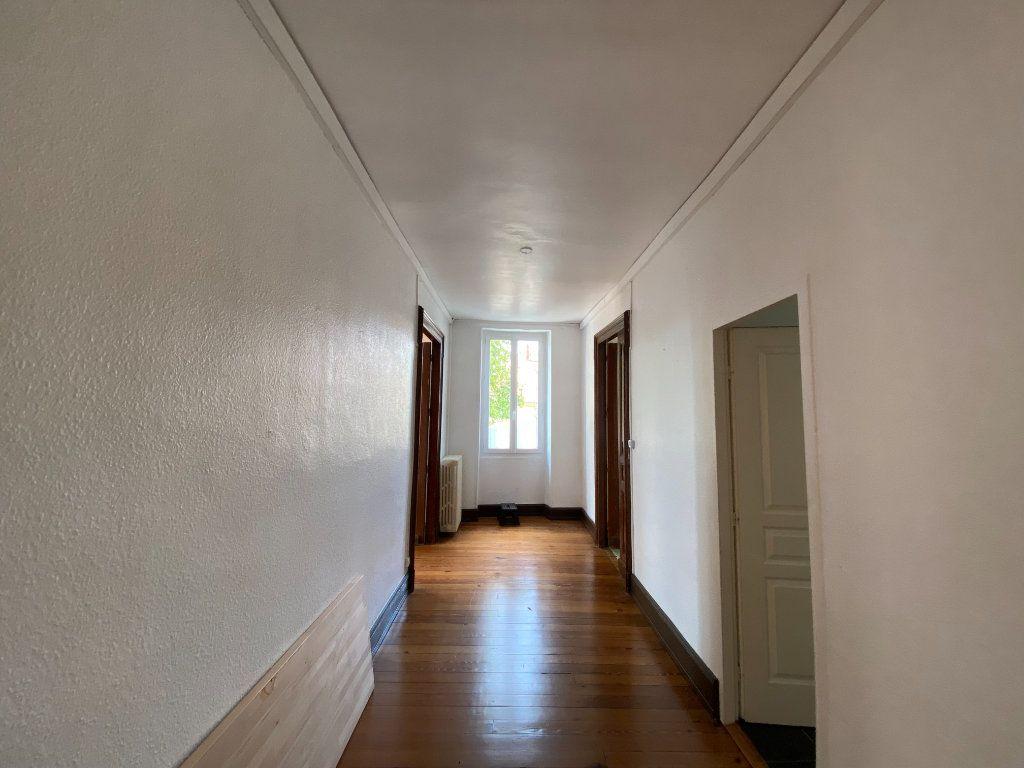 Appartement à louer 4 133m2 à Castres vignette-6