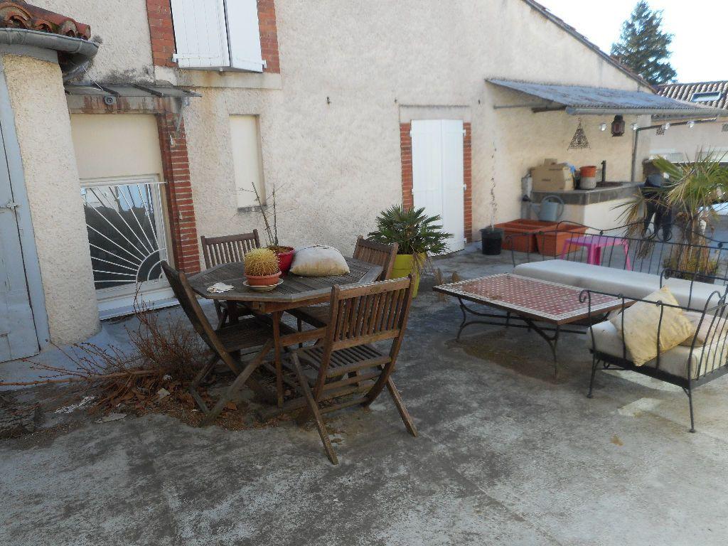 Appartement à louer 4 133m2 à Castres vignette-7