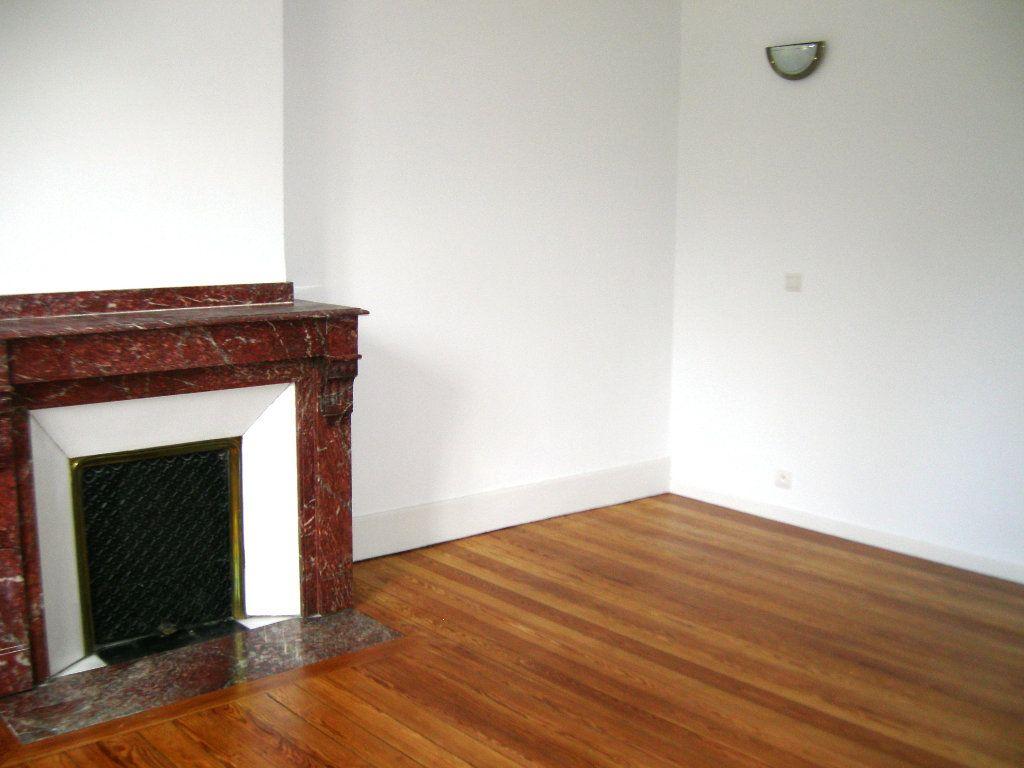 Appartement à louer 2 50m2 à Castres vignette-5