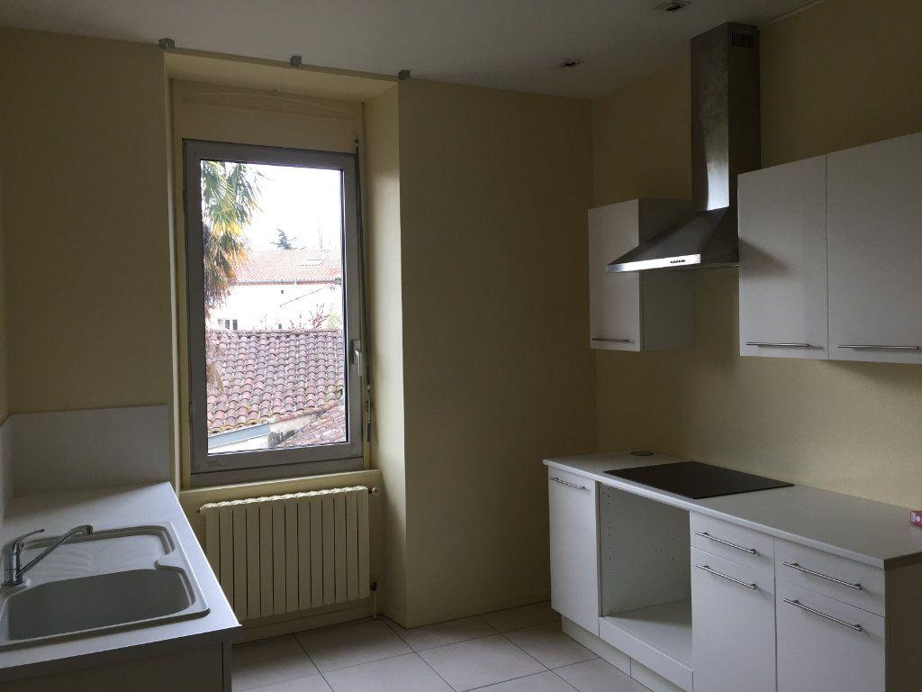 Appartement à louer 3 94m2 à Castres vignette-2