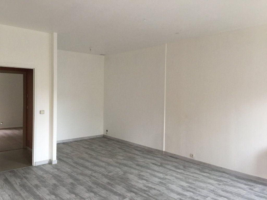 Appartement à louer 3 94m2 à Castres vignette-3