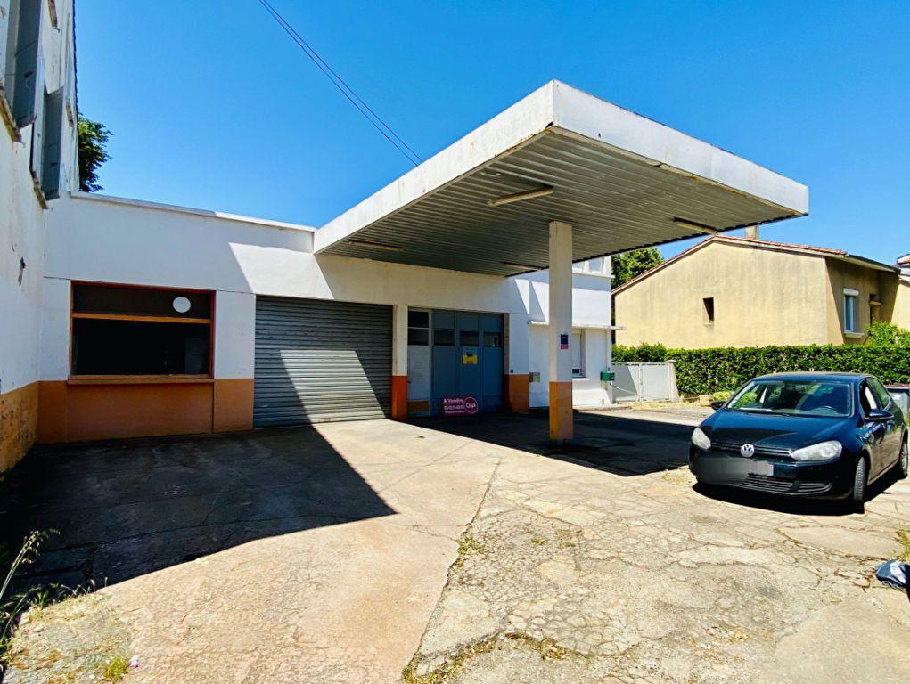 Immeuble à vendre 0 180m2 à Castres vignette-1