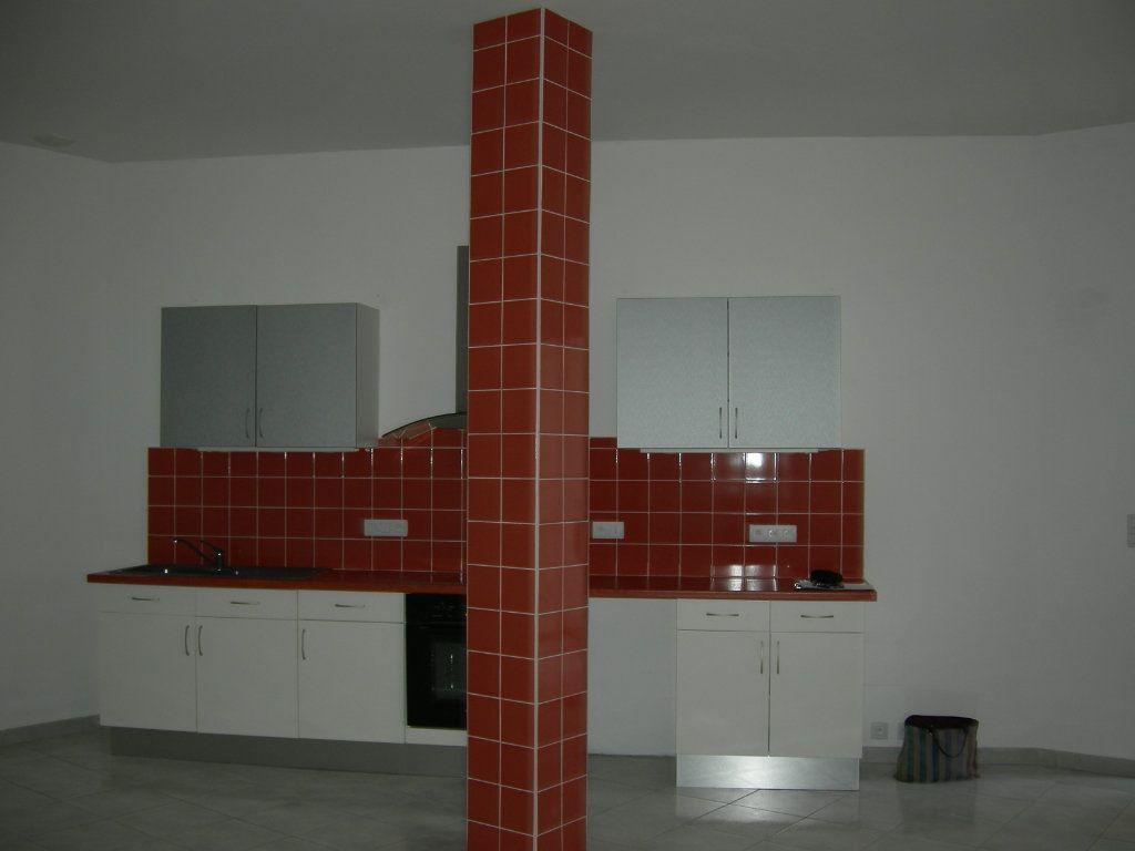 Appartement à louer 4 110m2 à Castres vignette-3