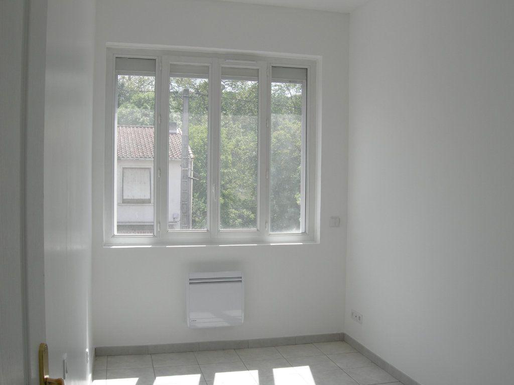 Appartement à louer 4 110m2 à Castres vignette-4