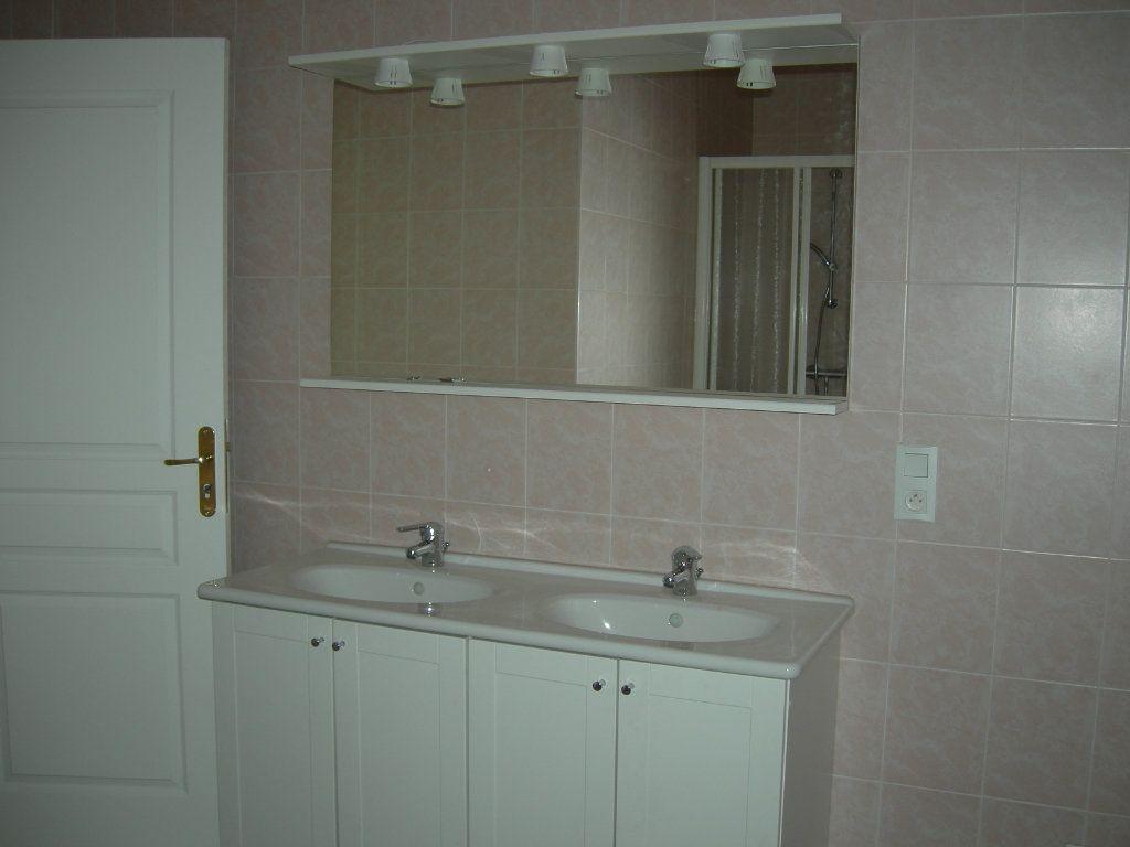 Appartement à louer 4 110m2 à Castres vignette-5