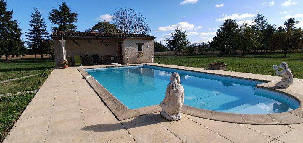 Maison à vendre 10 243m2 à Vielmur-sur-Agout vignette-3