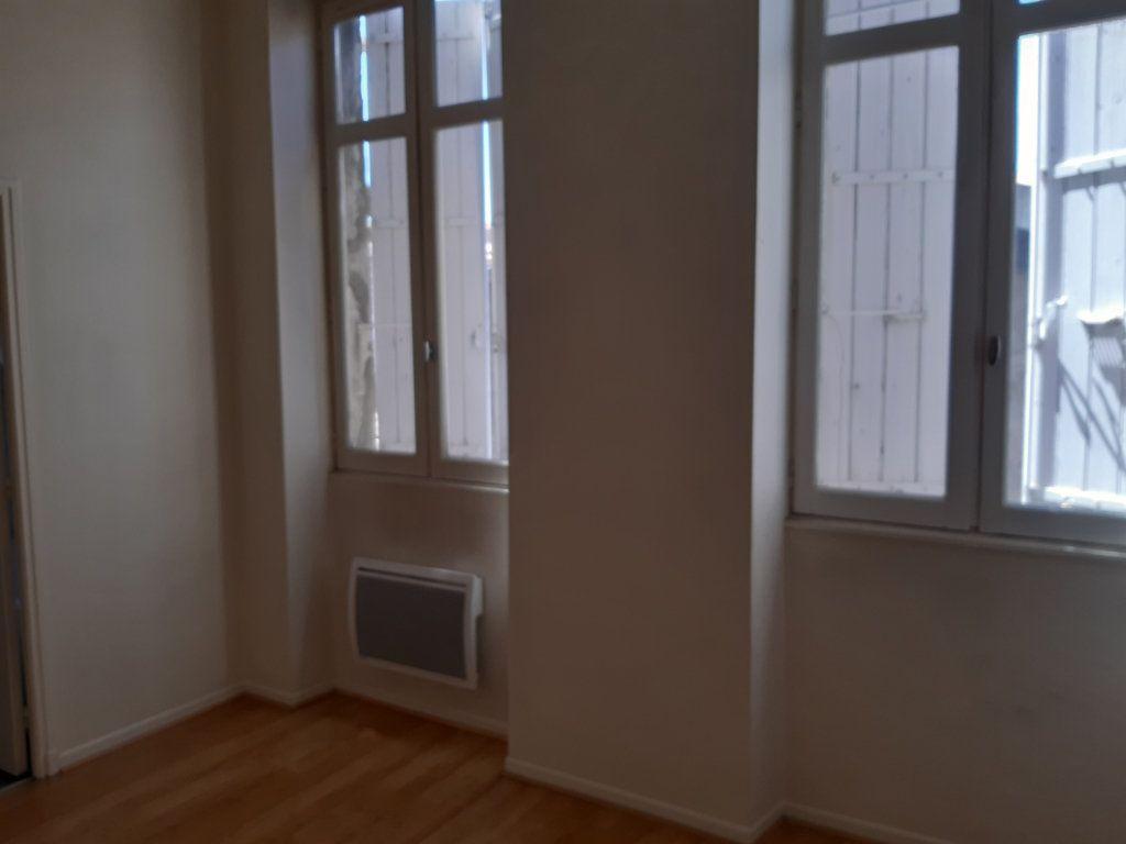 Appartement à louer 2 33m2 à Castres vignette-2