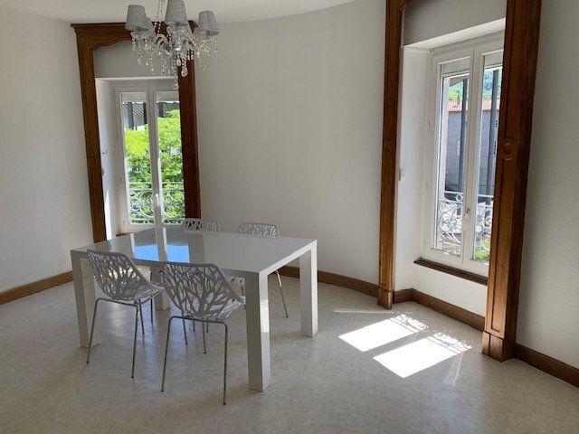 Appartement à louer 2 70m2 à Mazamet vignette-1