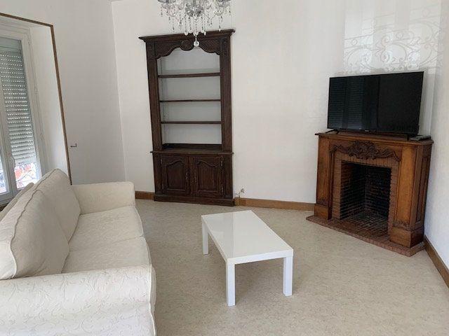 Appartement à louer 2 70m2 à Mazamet vignette-2