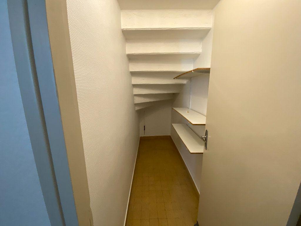 Appartement à louer 1 20m2 à Castres vignette-4