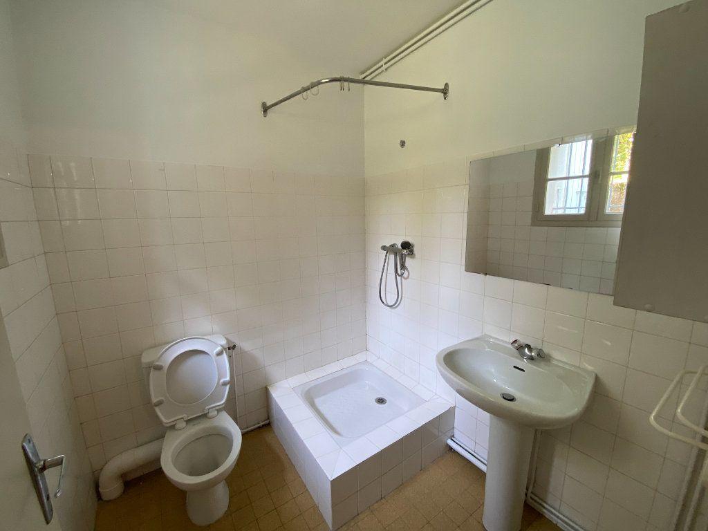 Appartement à louer 1 20m2 à Castres vignette-5