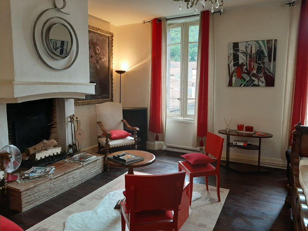 Appartement à vendre 3 120m2 à Mazamet vignette-2