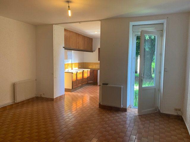 Appartement à louer 2 46m2 à Mazamet vignette-1